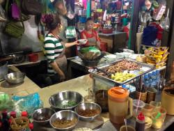 Tržnice v Sihanoukville a nejlepší polévka v Asii